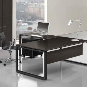 Chefschreibtisch-mit-furnierter-Tischplatte-Loopy1