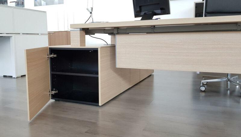 Managertisch-mit-Sideboard-Jet-Frontalfach_2