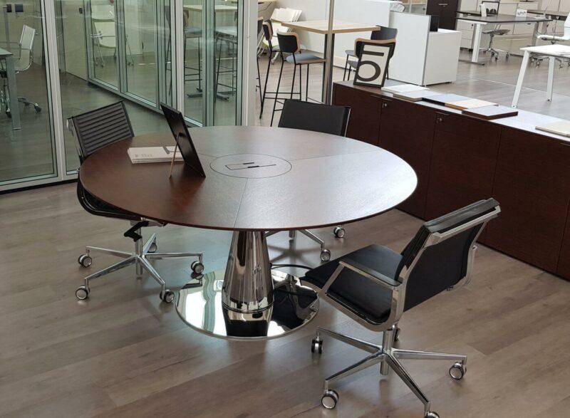 Runder-Konferenztisch-Metar-6-Personen-mit-Elektrifizierung