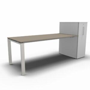 Schreibtisch mit Vertikal File