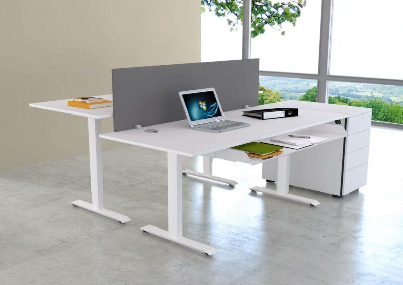 Schreibtisch-UpDown1-mit-Trennwand-grafit