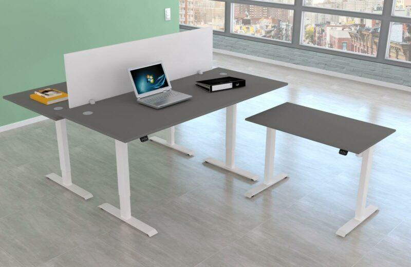 Schreibtisch-UpDown1-mit-Trennwand-weiss