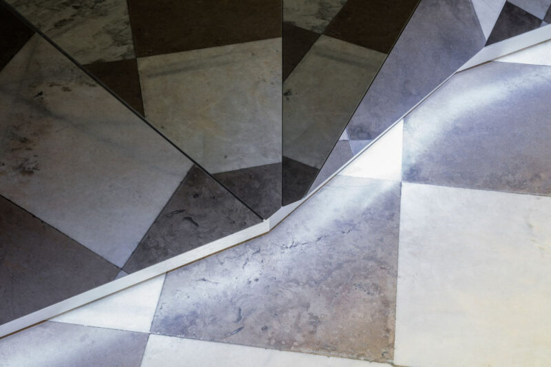 Empfangstheke-Mountain-Front-Glas_1