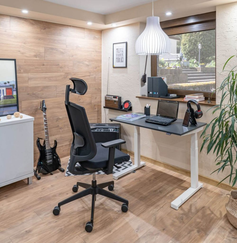 Schreibtisch-hoehenverstellbar-fuer-home-office-compact-drive_1