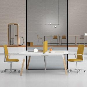 Bench Schreibtisch mit Holzbeinen Polare