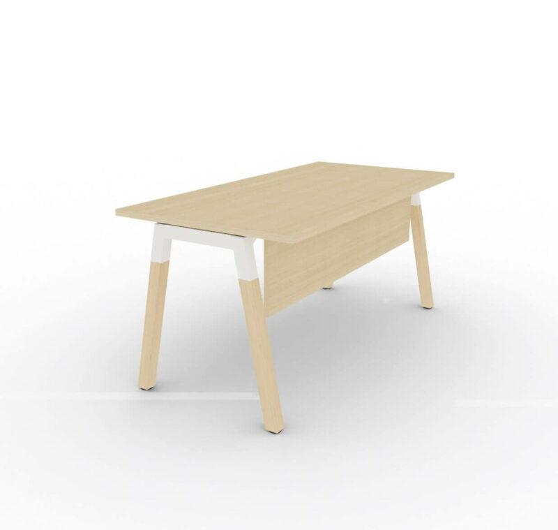 Schreibtisch-mit-Holzbeinen-Polare-Tischplatte-Eiche-Natur